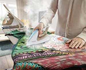 Wäsche bügeln mit der Philips PerfectCare Dampfbügelstation